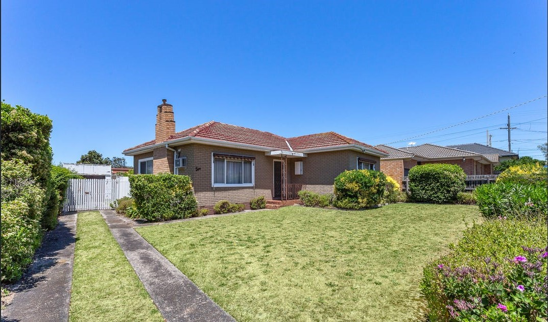 Spacious 2 bedroom home in the heart of Aspendale